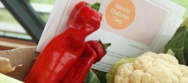 Diabetes patiënten bedanken arts met groentepakket